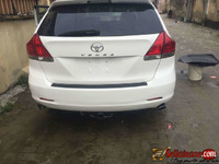 2010 registered Toyota Venza with TVs for sale