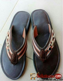 Brown male slippers for sale in Nigeria