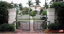 Electronic gate with remote control sensitivity