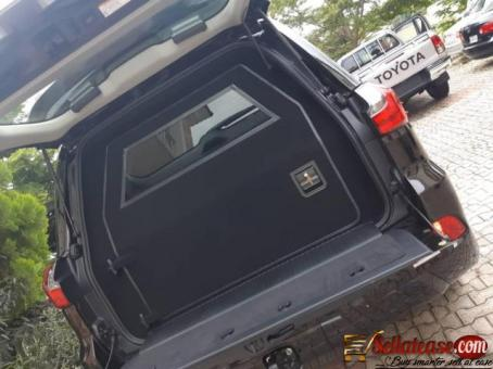 Brand new 2019 Lexus LX570 supersport bulletproof for sale in Nigeria