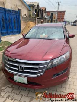 Nigerian Used 2010 Honda cross tour for sale in Nigeria