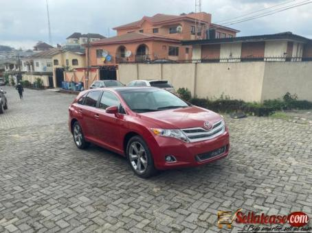 Tokunbo 2015 Toyota Venza Full option for sale in Nigeria