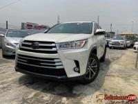 Tokunbo 2017 Toyota Highlander for sale in Nigeria