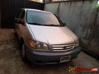Tokunbo2003 Toyota Sienna for sale in Nigeria