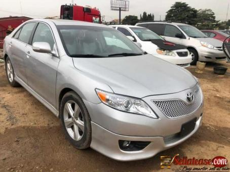 Tokunbo 2010 Toyota Camry sport SE silver for sale in Nigeria