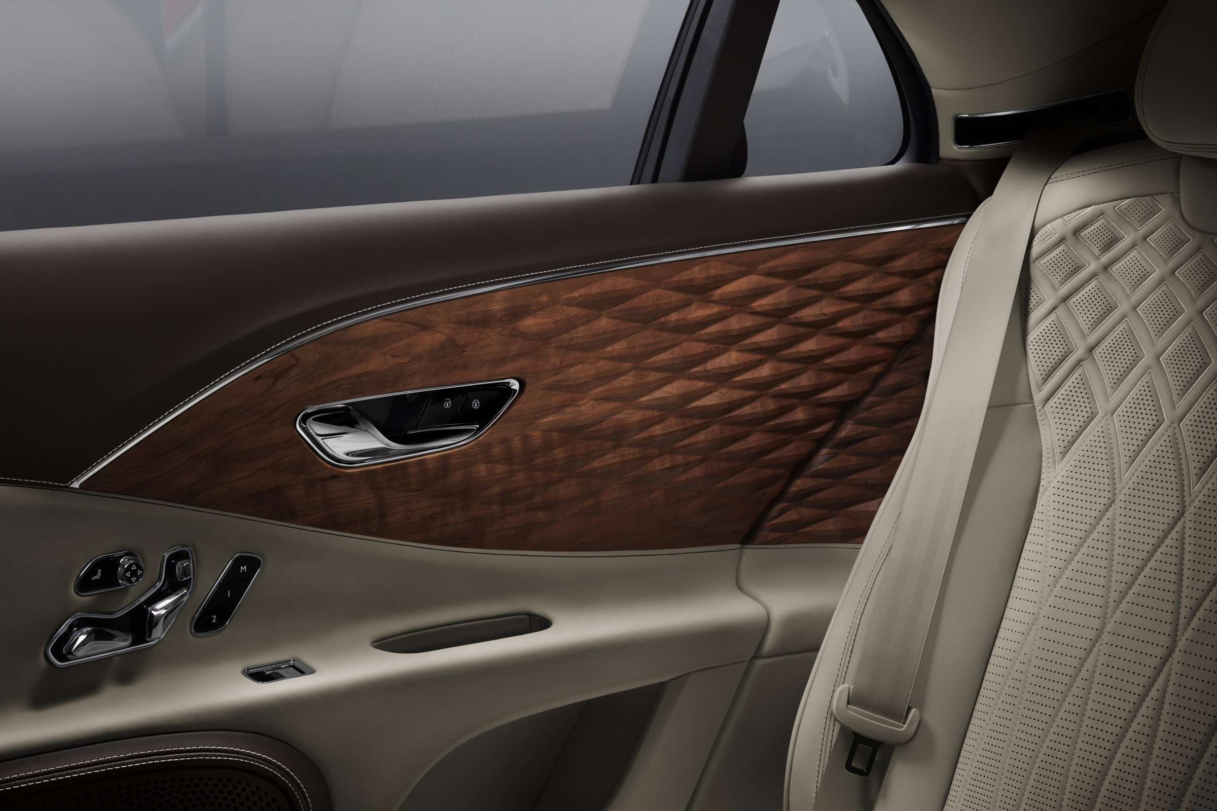 Bentley introduces world-first three-Dimensional Wood Panel in Flying Spur