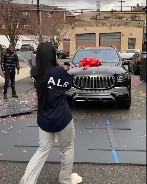 50 Cent gifts his girlfriend a 2021 Mercedes-Maybach GLS 600 as a Christmas present