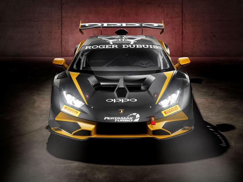 Lamborghini produces the 400TH Huracan racing car