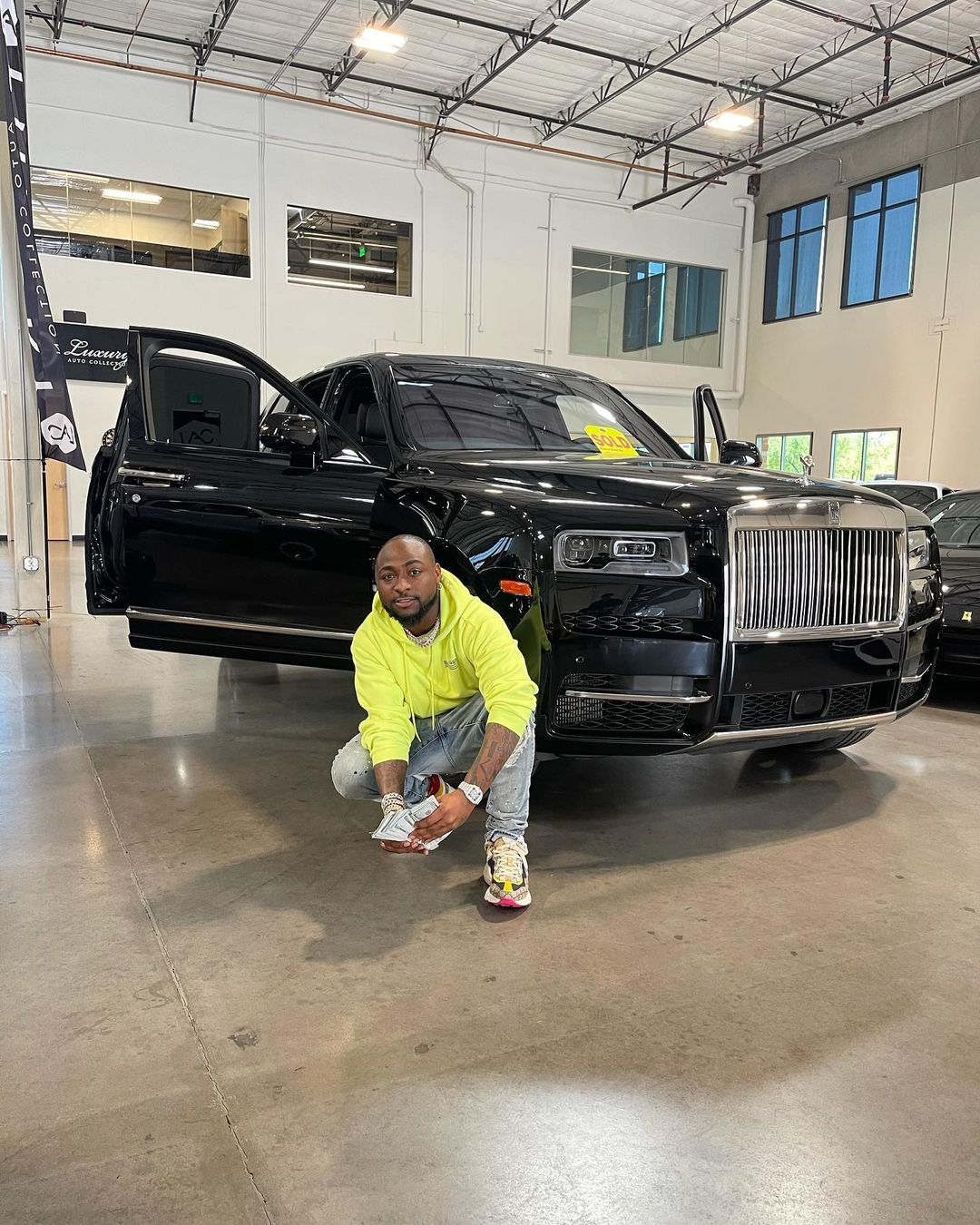 Davido's 2021 Rolls Royce Cullinan Specifications and price in Nigeria