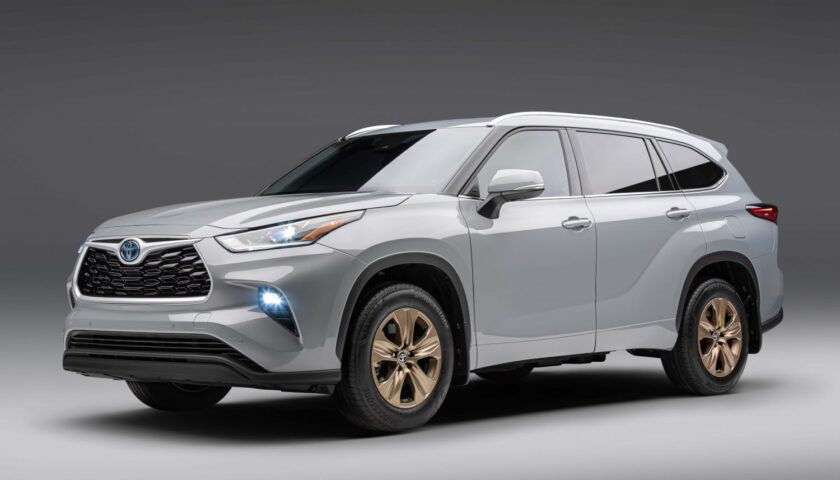 Specs and price of 2022 Toyota Highlander in Nigeria